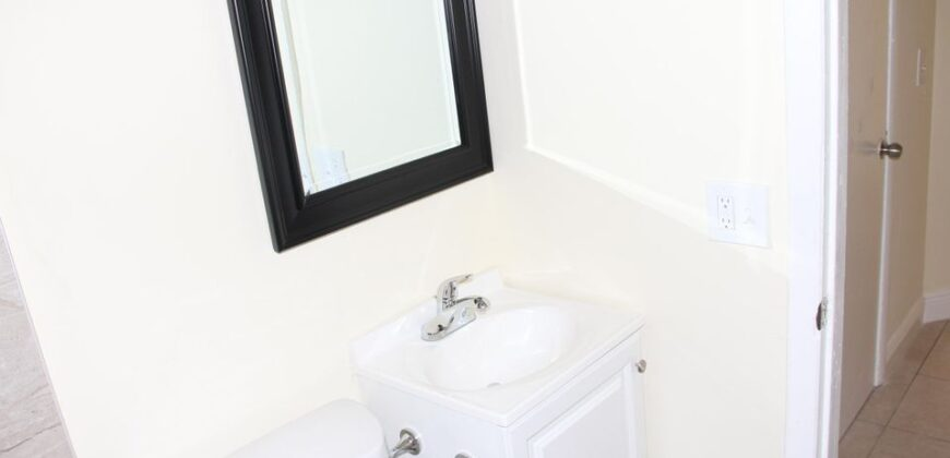 2 Bed 1 Bath -Quadplex